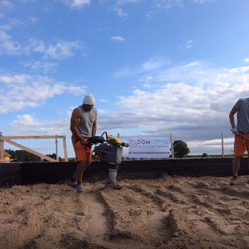 Poradnik budowy domu, odcinek 6, zasyp fundamentu